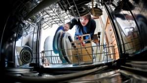 nettoyage d'un lave-vaisselle interieur